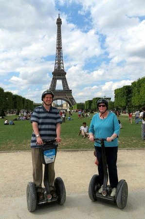 in front of the eiffel tower picture of mobilboard segway tours paris tripadvisor. Black Bedroom Furniture Sets. Home Design Ideas