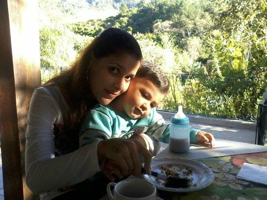 Chales Vila da Serra : Café da manhã