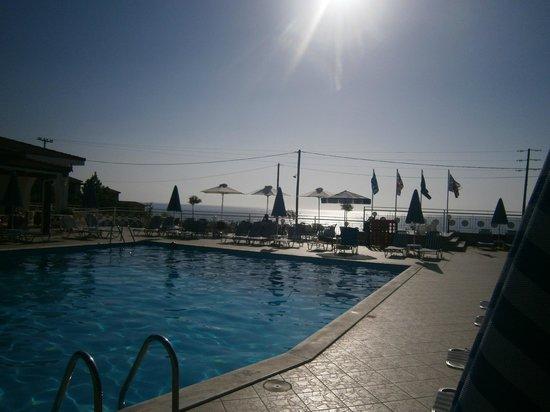 Pelagos Bay Hotel : pool