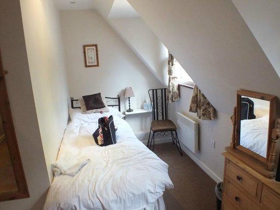 Park Farm Bed & Breakfast: Single bed in Family Room
