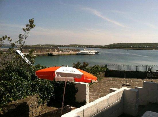 Kilronan Hostel : view from outside the kitchen!!!!