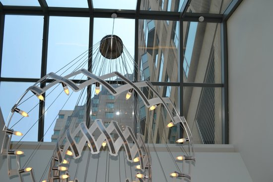 Toronto Marriott Downtown Eaton Centre Hotel: lights