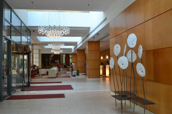 Toronto Marriott Downtown Eaton Centre Hotel: lobby