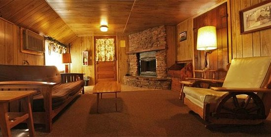 Woodside Ranch Resort: Inside a cabin