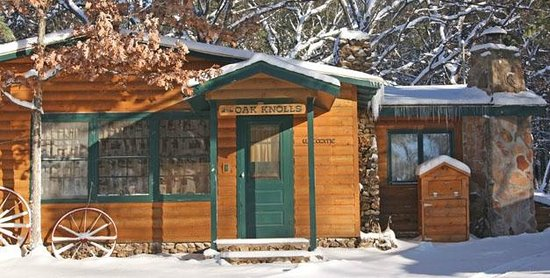 Woodside Ranch Resort: snowy cabin