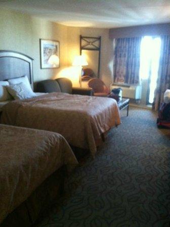 Golden Inn Hotel: double room