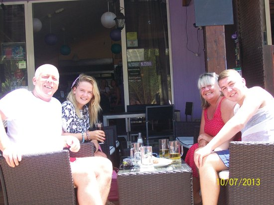 An Caisteal Bar & Cafe: our wee familys holiday local