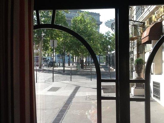 Splendid Etoile Hotel: view from the restaurant