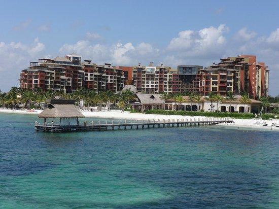 Villa del Palmar Cancun Beach Resort & Spa: View from the ferry looking back at Villa del Palmar