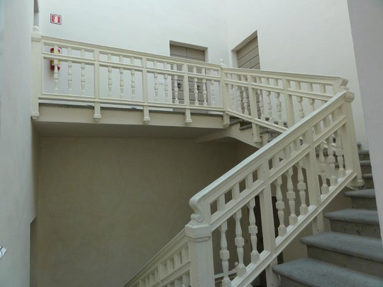 Villa Cassia di Baccano: Acceso a las habitaciones