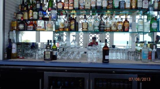Beach House Restaurant at Cape Santa Maria: bar at the beach house