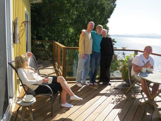 Eagle Cove Beachfront Guest Suites: Enjoy Aerie's Deck