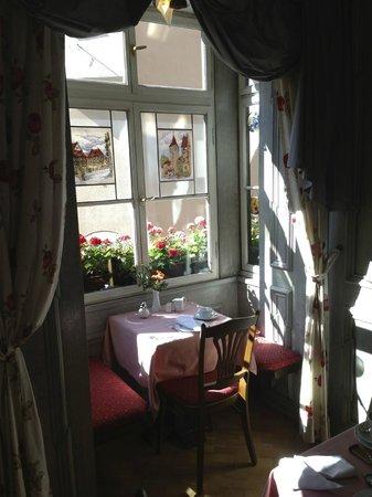 Hotel Am Josephsplatz : Platz für Zwei im Frühstücksraum