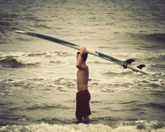 Carolina School of Surf: Jackson taking the board out
