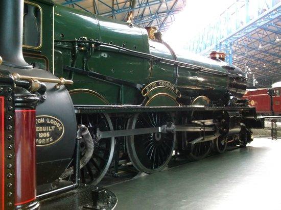 reviews employee review national railway equipment