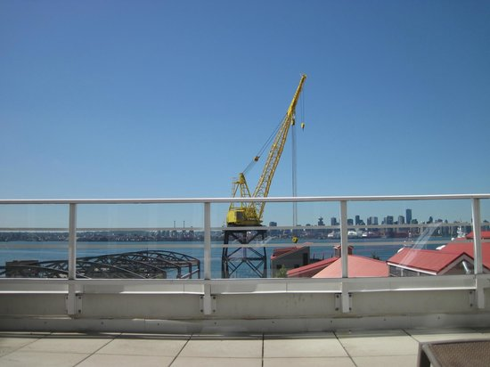 Pinnacle Hotel At The Pier : View from deck area outside gym