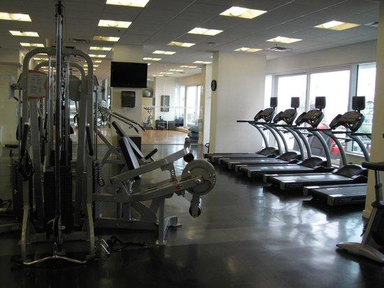 Pinnacle Hotel At The Pier : Gym