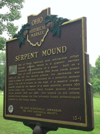 Serpent Mound: park marker