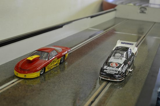 Edgewood, WA: Slot Car Drag Racing