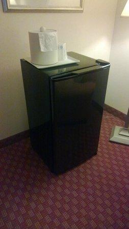 Best Western Plus West Covina Inn: Mini -refrigerator in corner