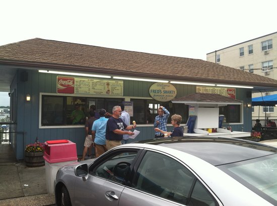 Fred's Shanty: Good old fashion clam shack!