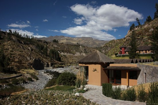 Colca Lodge Spa & Hot Springs - Hotel : Spa overlooks the river and has great views