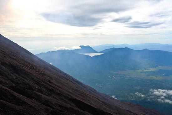 Mount Kerinci : Gunung Tujuh Lake
