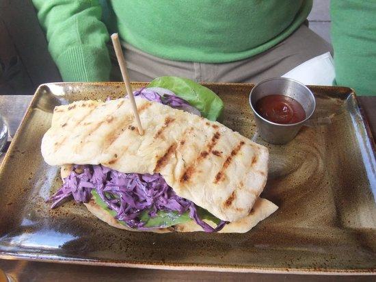 Whitefriar Grill: pulled pork sandwich