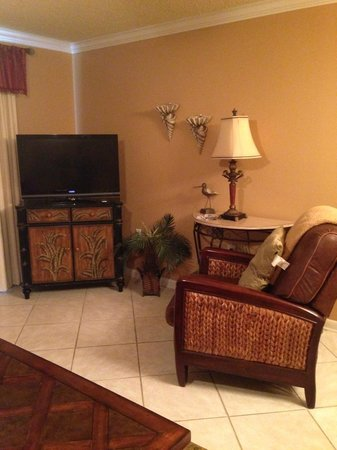 Four Winds Condominiums: Flat Screen Television and Leather Recliner