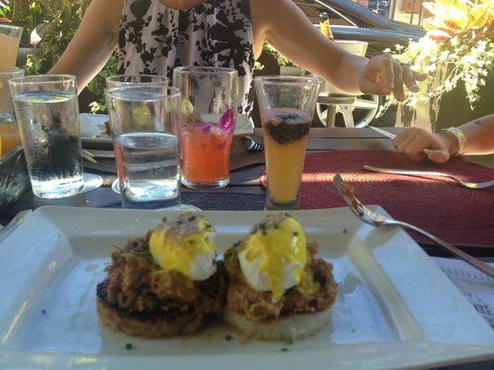 Sunda: pork belly on crispy rice with poached eggs - delicious!!
