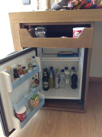 Domotel Xenia Volos : Mini fridge