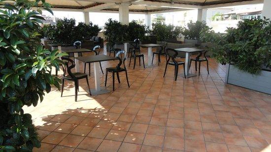 Grand Hotel Tiberio: terrasse