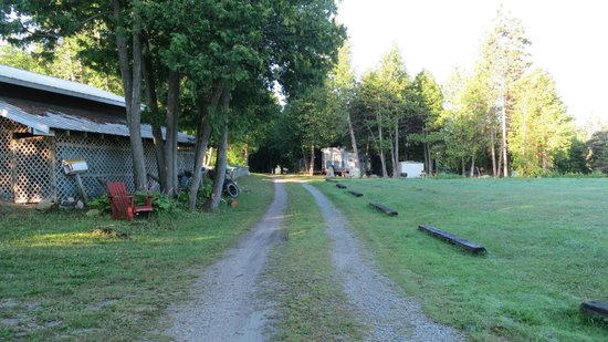 Black Rock Resort : Campsites on the right