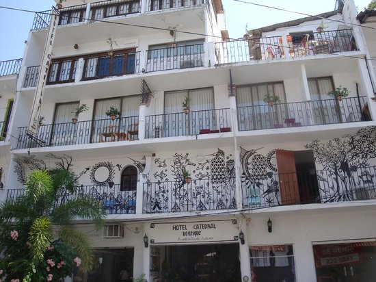 Catedral Vallarta Boutique Hotel: Exterior view from street