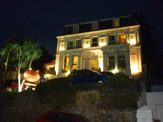 Shirley Hotel: the shirley by night