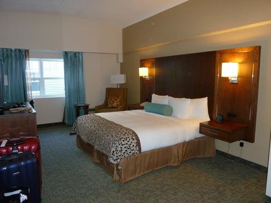 DoubleTree by Hilton Cape Cod - Hyannis: Kingsize Bedroom
