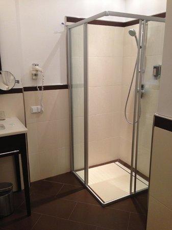 Hotel Sandwirth: Badezimmer (Dusche)