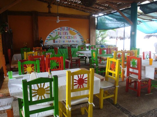 Las Brisas Hotel - Restaurant - Bar: Covered open air dining room