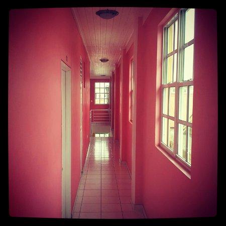 La Flamboyant Hotel : Fraise Hallway (FR)