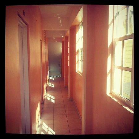 La Flamboyant Hotel : Orange Hallway (OR)