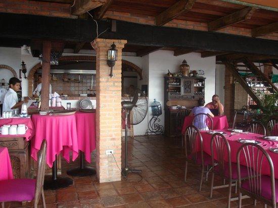 El Palomar de los Gonzalez: Covered open air dining room