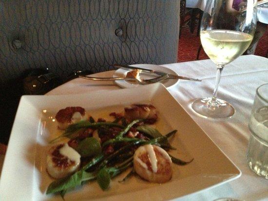 La Quinta Cliffhouse Grill and Bar: Scallops