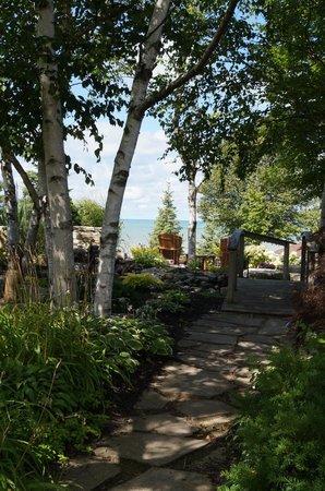 Brentwood on the Beach: garden