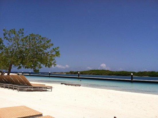 Santa Barbara Beach & Golf Resort, Curacao: Great private beach.