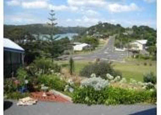 Midway Motel Waiheke Island : View from property