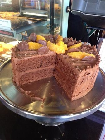 Freddy Fuddpukka's Cafe: amazing cake