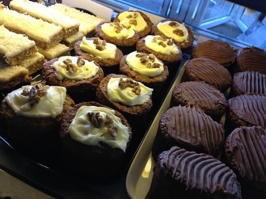 Freddy Fuddpukka's Cafe: yum, homemade cakes!!