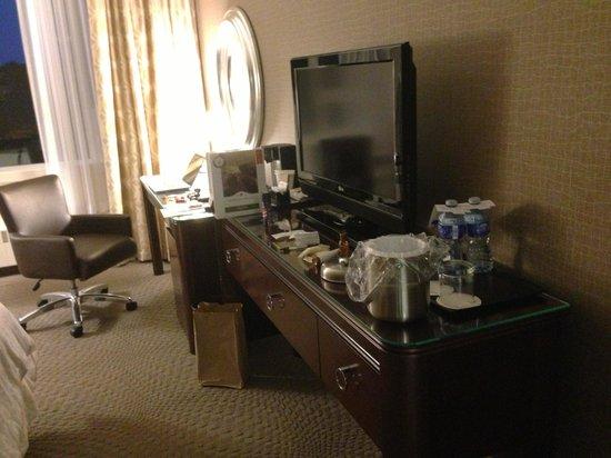 Sheraton Cavalier Saskatoon Hotel: King Room