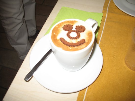Il Girasole: Cappuccino for Breakfast