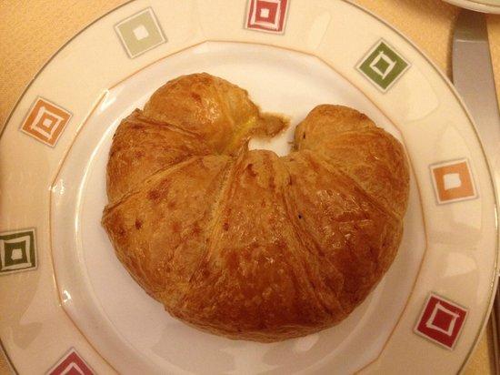 Hotel Elite: A yummy croissant